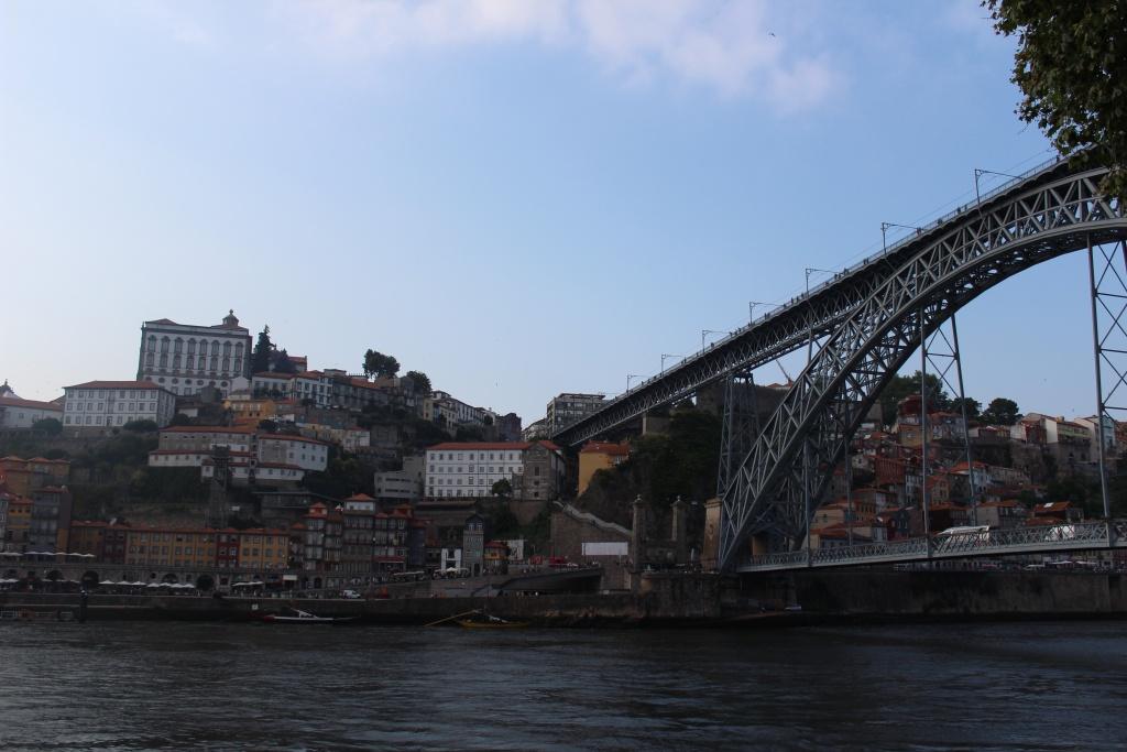 The domineering Ponte de Dom Luís.
